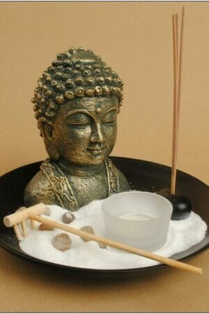 ZEN GARDEN W/BEAUTIFUL BUDDHA BUST